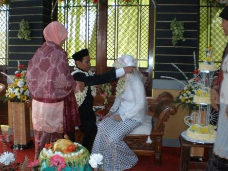 Pernikahan AngHadi